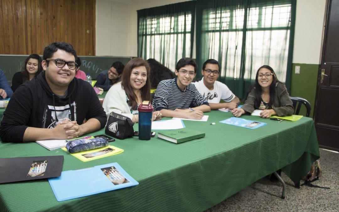 Enactus imparte taller a estudiantes de Ingeniería